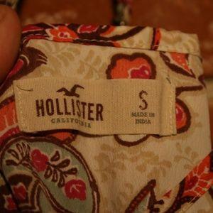 Hollister Tops - Hollister Floral V-Neck Cami Tank Top